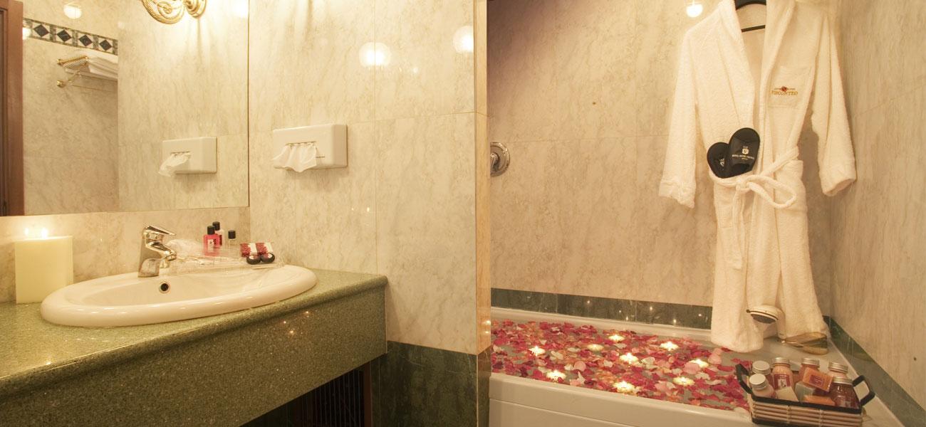 Camera Motel con vasca idromassaggio